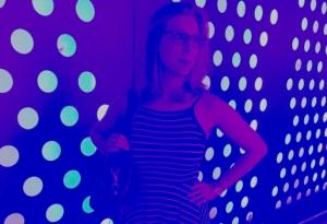 Frau in dere Disco