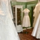 Brautkleider, Sujet